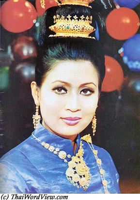 Petchara Chaowarat